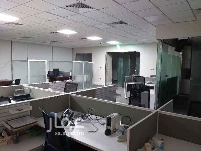 مكتب تجاري للإيجار في طريق الملك فهد الفرعي ، الرياض