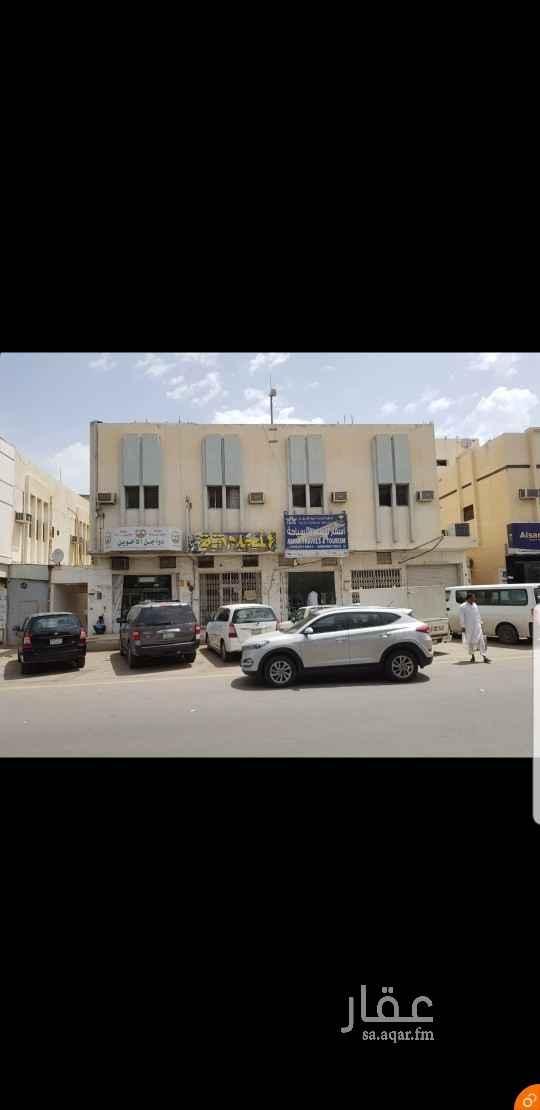 دور للإيجار في شارع بديع الزمان الهمذاني ، حي الزهرة ، الرياض