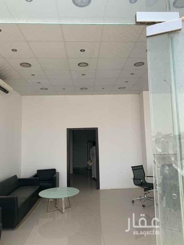محل للإيجار في شارع الامير سعود بن عبدالله بن جلوي ، الرياض