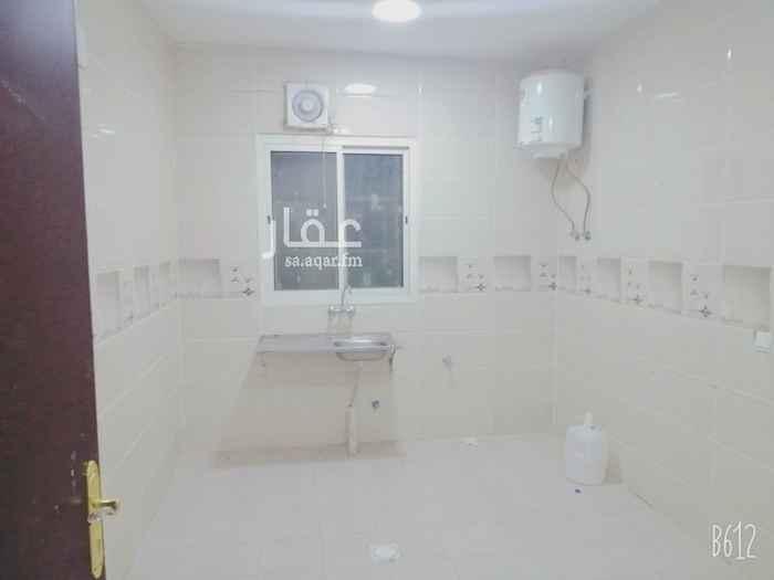 شقة للإيجار في شارع محمد بن كثير ، حي الرمال ، الرياض