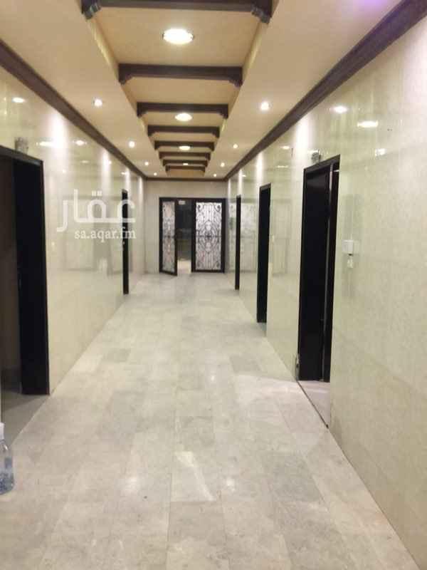 عمارة للإيجار في شارع اسماء بنت ابي بكر ، حي العريجاء الغربية ، الرياض