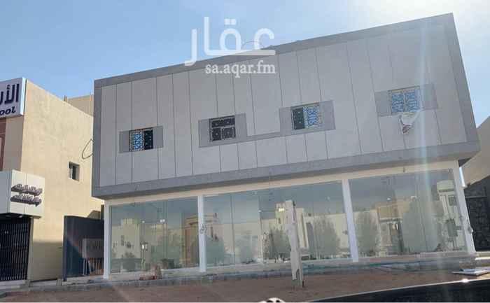 عمارة للبيع في شارع الحيسية ، حي العريجاء الوسطى ، الرياض