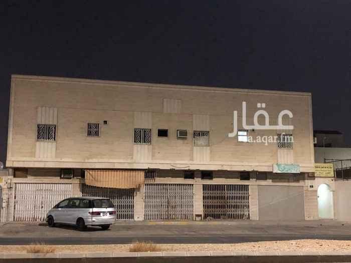 محل للإيجار في شارع بديع الزمان الهمذاني ، حي شبرا ، الرياض