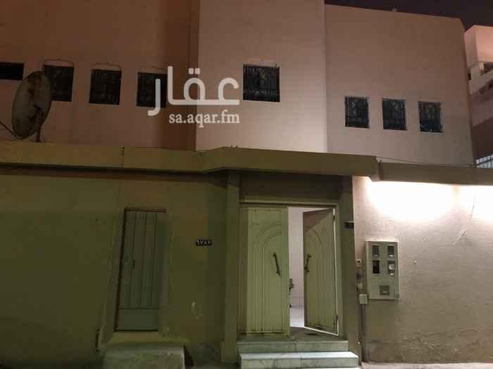 دور للإيجار في شارع عائشة بنت أبي بكر ، حي شبرا ، الرياض