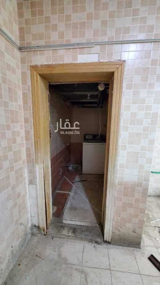 محل للإيجار في شارع الامير فيصل بن عبدالله بن عبدالرحمن ، حي حطين ، الرياض ، الرياض