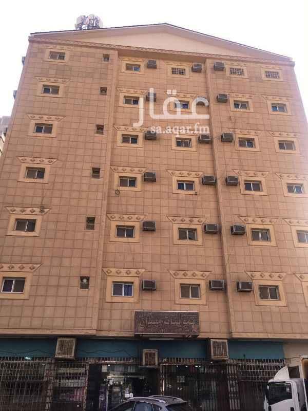 عمارة للبيع في شارع الامير عبدالعزيز بن مساعد بن جلوي ، حي المربع ، الرياض