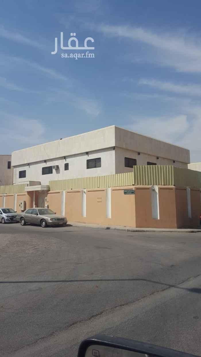 فيلا للبيع في شارع عاصم بن عدي ، حي الروضة ، الرياض