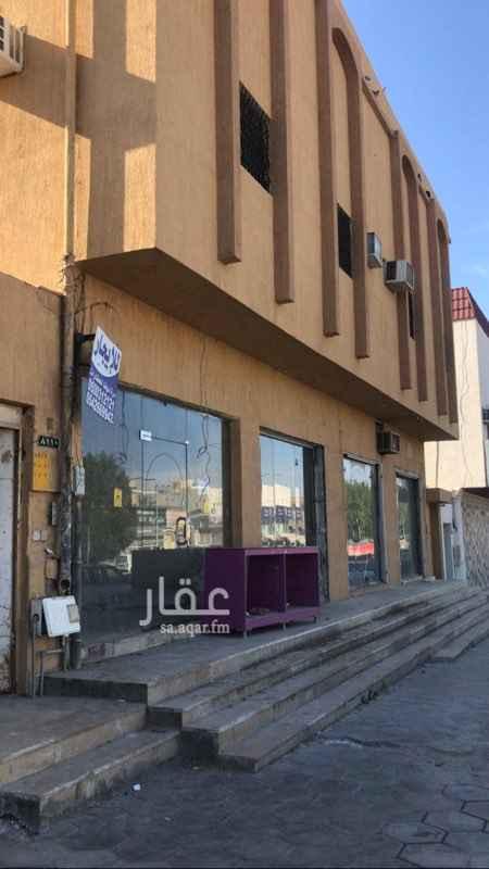 محل للإيجار في شارع عائشة بنت أبي بكر ، حي الزهرة ، الرياض ، الرياض