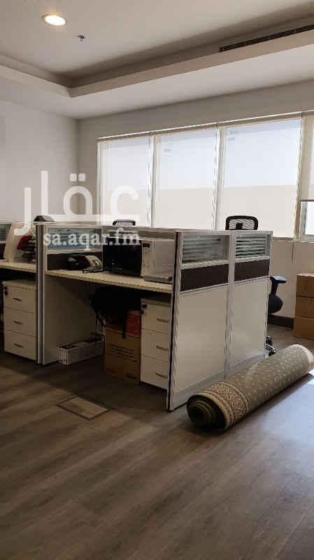مكتب تجاري للإيجار في طريق ابي بكر الصديق الفرعي ، حي النرجس ، الرياض ، الرياض