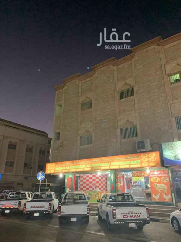 عمارة للإيجار في الشارع الخامس والعشرين ، حي الثقبة ، الخبر