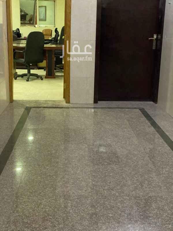 مكتب تجاري للإيجار في شارع الشيخ حسن بن حسين بن علي ، حي الحمراء ، الرياض ، الرياض