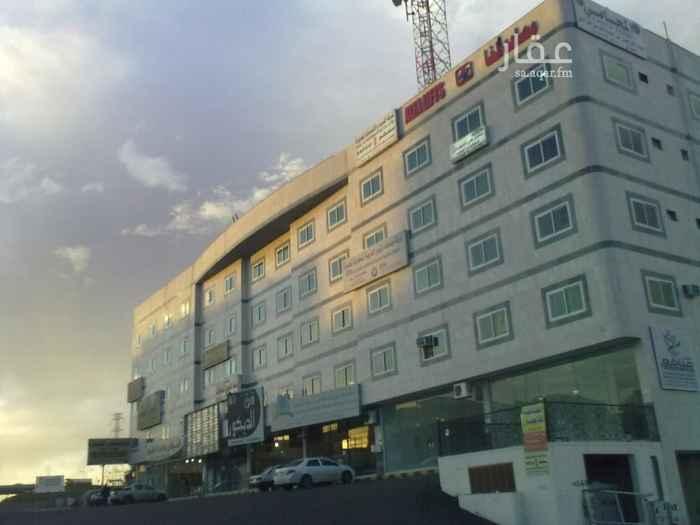 مكتب تجاري للإيجار في طريق الملك فهد ، حي المحالة ، أبها ، أبهــــا