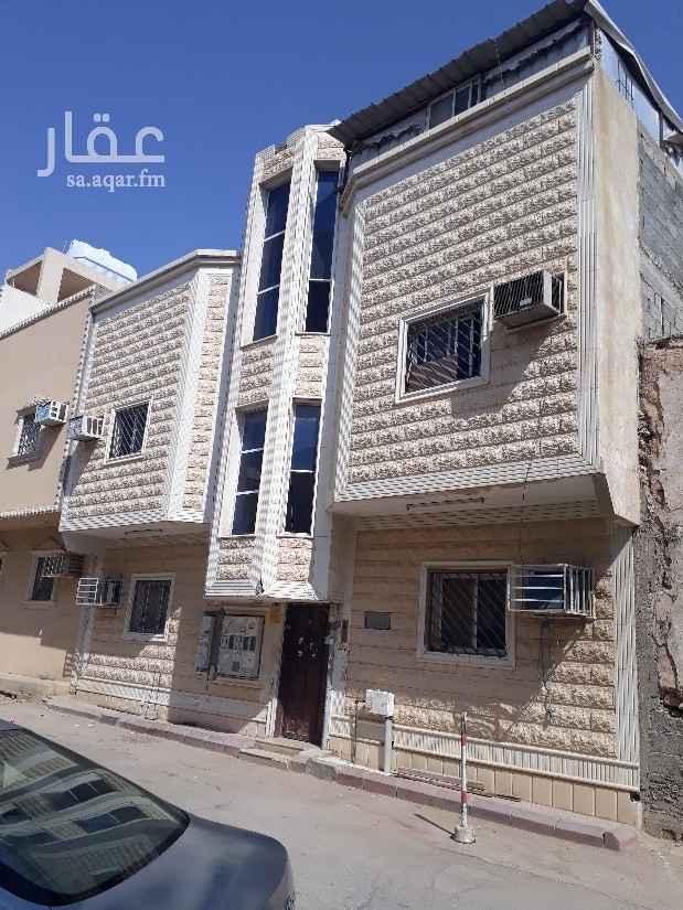 عمارة للبيع في شارع ابن الاعرابي ، حي منفوحة ، الرياض
