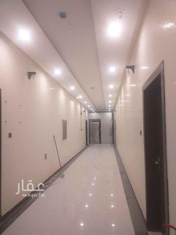 مكتب تجاري للإيجار في طريق الامام سعود بن فيصل ، حي الملقا ، الرياض ، الرياض