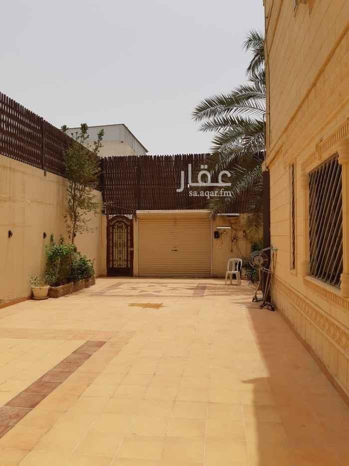 فيلا للبيع في شارع ابن عيسى ، حي الملز ، الرياض