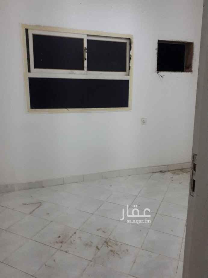 شقة للإيجار في شارع عمر وليد الظاهر ، حي الشهداء ، الرياض ، الرياض