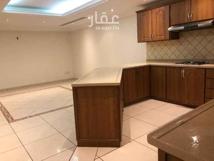 فيلا للإيجار في شارع العيينة ، حي الدوحة الجنوبية ، الظهران ، الدمام