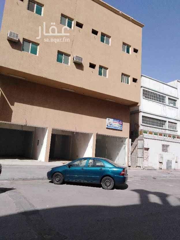 عمارة للبيع في شارع ضبا ، حي الثقبة ، الخبر