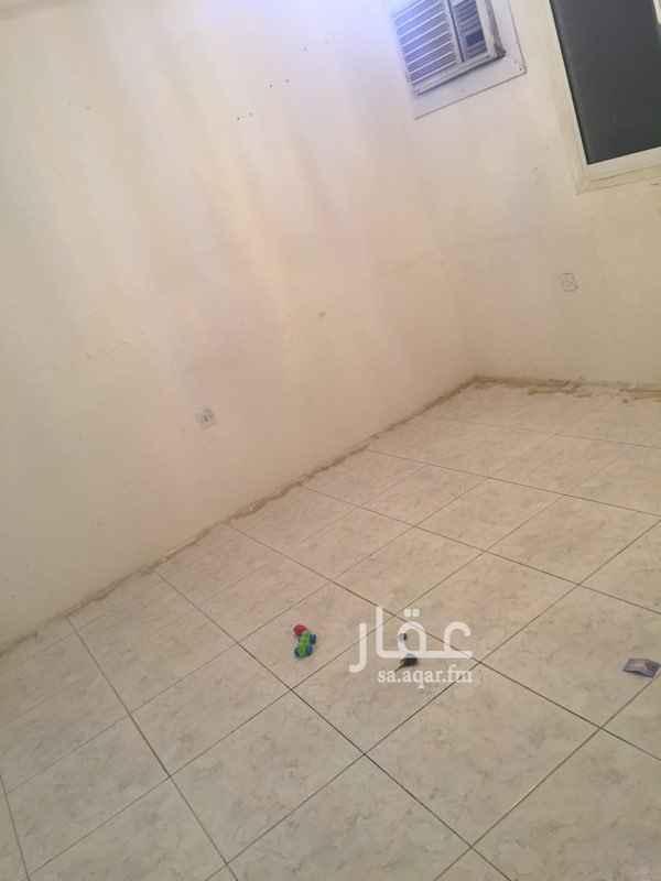 شقة للإيجار في شارع عبيدالله الازهري ، حي المروج ، الرياض