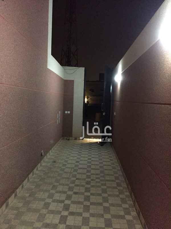 دور للإيجار في شارع جعفر بن هاشم ، الرياض