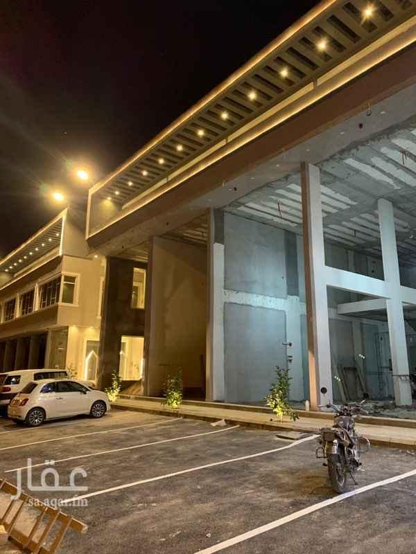 محل للإيجار في شارع الأمير مشعل بن عبدالعزيز ، حي عرقة ، الرياض