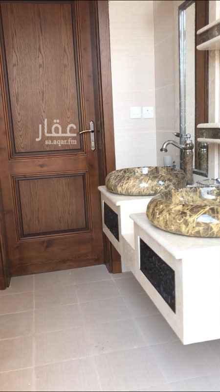 عمارة للبيع في شارع بديع الزمان الهمدانى ، حي العزيزية ، المدينة المنورة