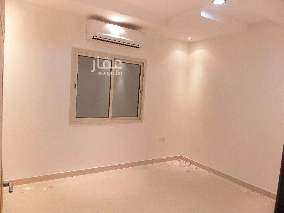 دور للإيجار في شارع الحريدة ، حي الملقا ، الرياض