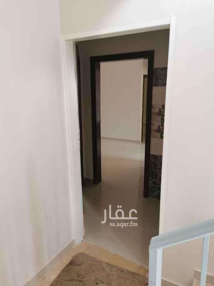 شقة للإيجار في شارع القمري ، حي الحزم ، الرياض