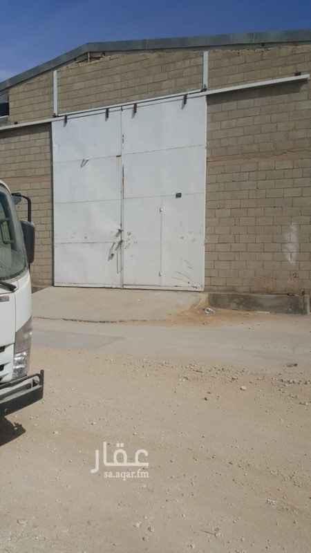 مستودع للإيجار في شارع وادي بن هشبل ، حي الفيصلية ، الرياض