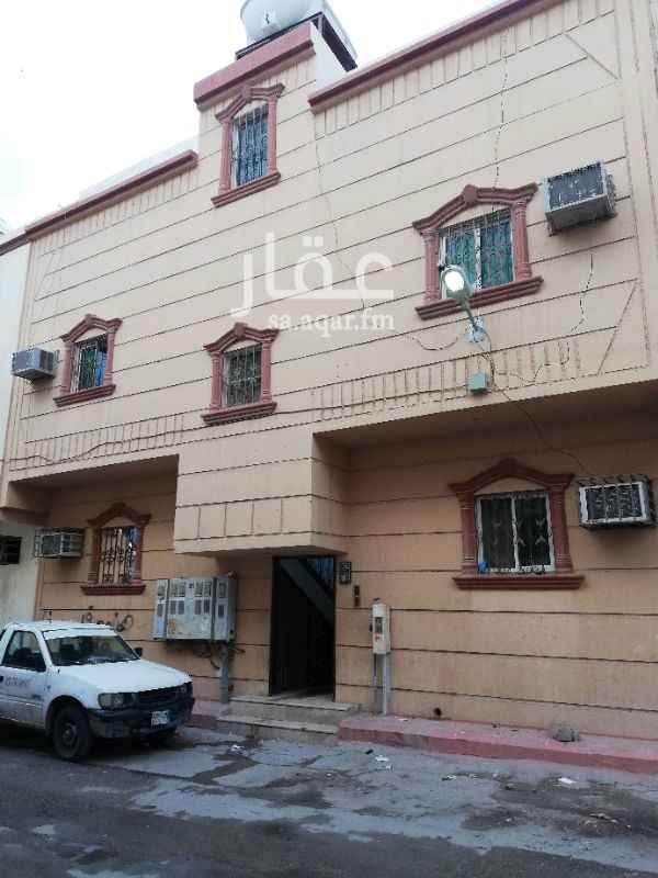 عمارة للبيع في شارع احمد الحنفي ، حي منفوحة الجديدة ، الرياض