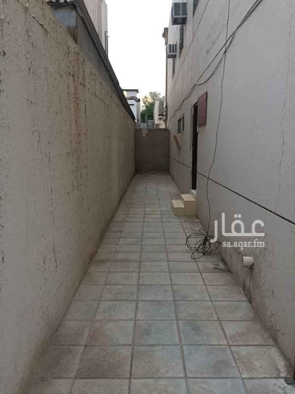 شقة للإيجار في شارع أحمد بن محمد السديري ، حي القدس ، الرياض