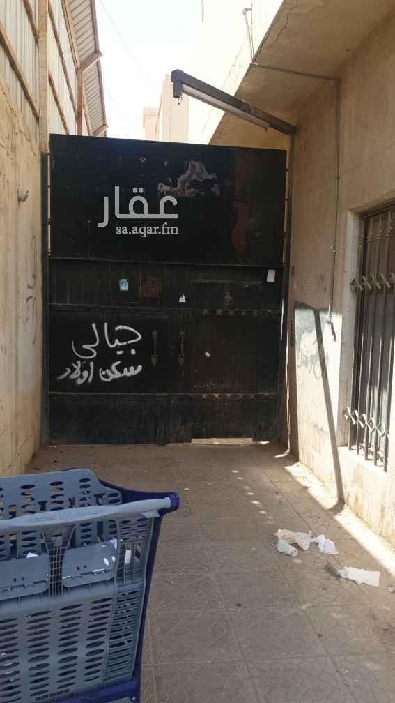 عمارة للإيجار في شارع ابي سعيد الخدري ، حي الملك فيصل ، الرياض ، الرياض