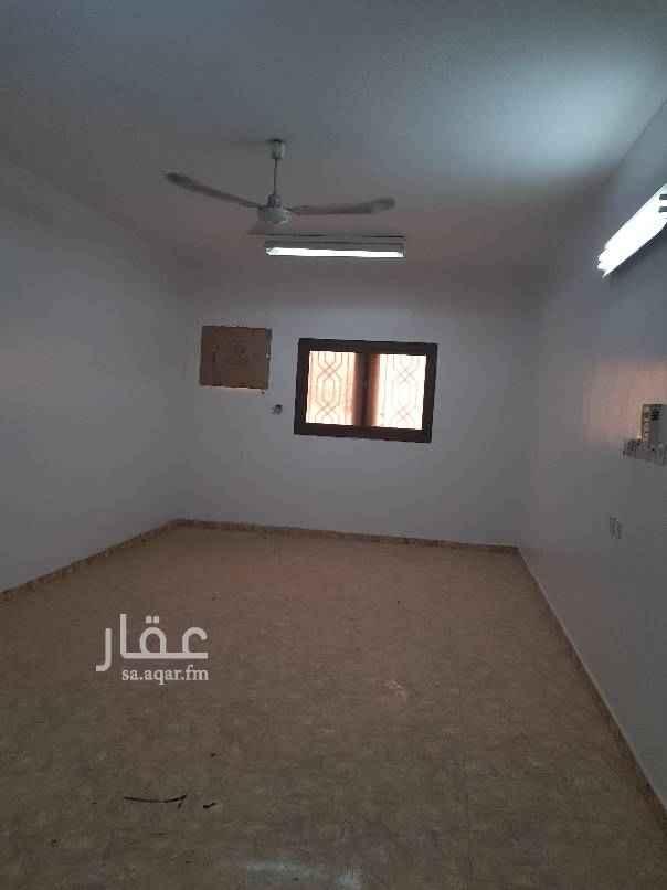 شقة للإيجار في شارع عبدالله الشلاش ، حي العزيزية ، الرياض ، الرياض