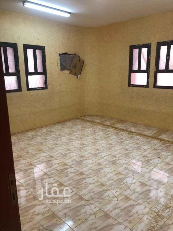 شقة للإيجار في شارع ابان بن تغلب ، حي الملك فيصل ، الرياض
