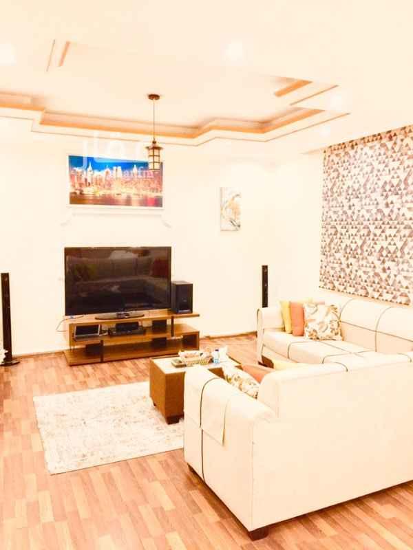 شقة للإيجار في شارع اسحاق التوقادي ، حي الشاطئ ، جدة ، جدة