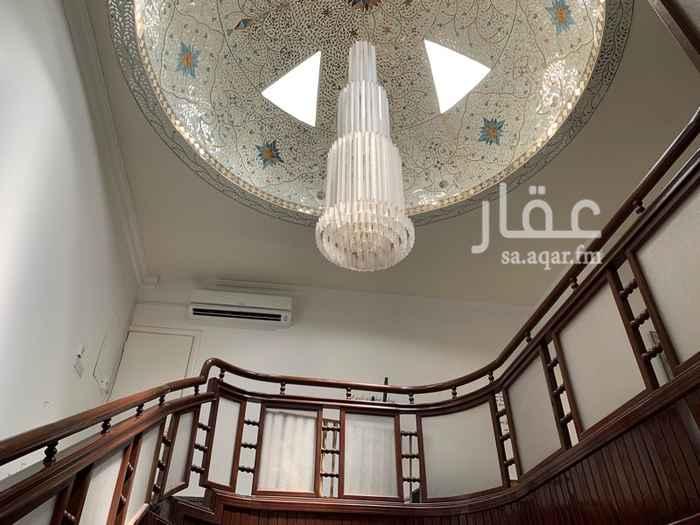 فيلا للبيع في شارع ابن سلامة الجمحي ، حي الربوة ، الرياض
