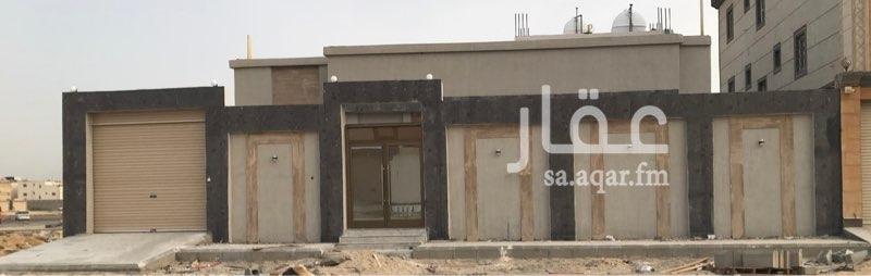 دور للبيع في حي ، شارع طاهر الجزائري ، ضاحية الملك فهد ، الدمام ، الدمام