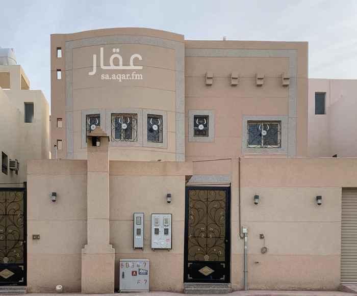 فيلا للبيع في شارع عامر بن مسعود ، حي طويق ، الرياض
