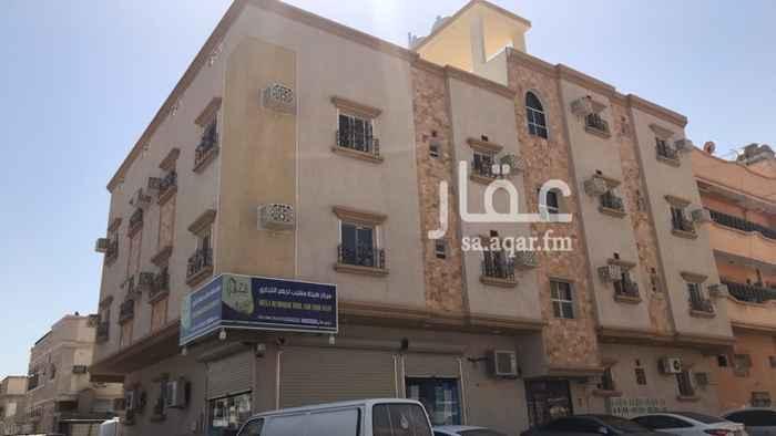 عمارة للبيع في شارع بدر ، حي الثقبة ، الخبر