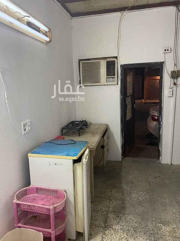 غرفة للإيجار في شارع أبو بكر الحنفي ، حي الحمراء ، الدمام ، الدمام