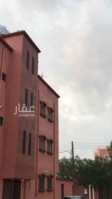 شقة للإيجار في شارع ابو العتاهية