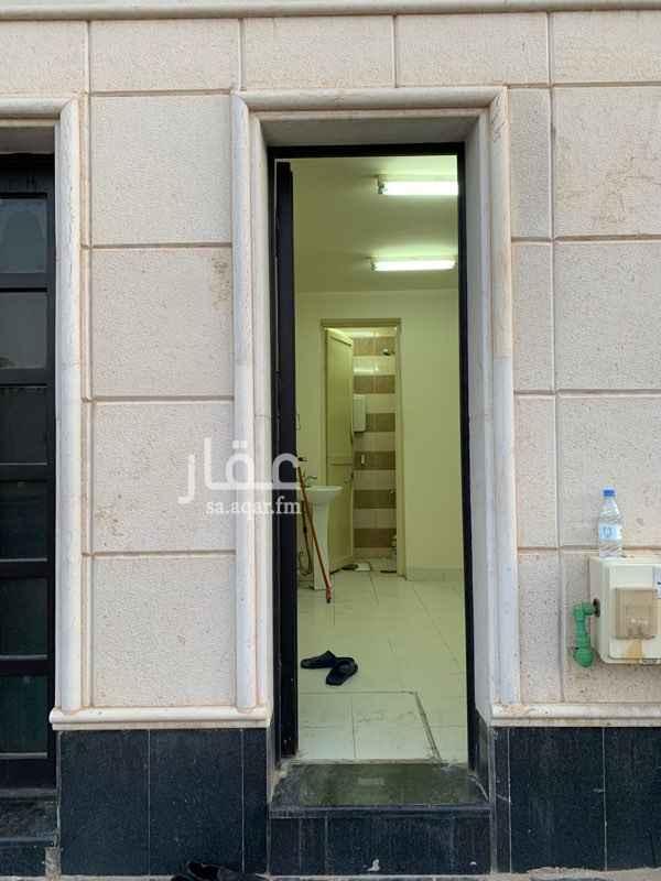 غرفة للإيجار في شارع خالد بن الوليد ، حي قرطبة ، الرياض ، الرياض
