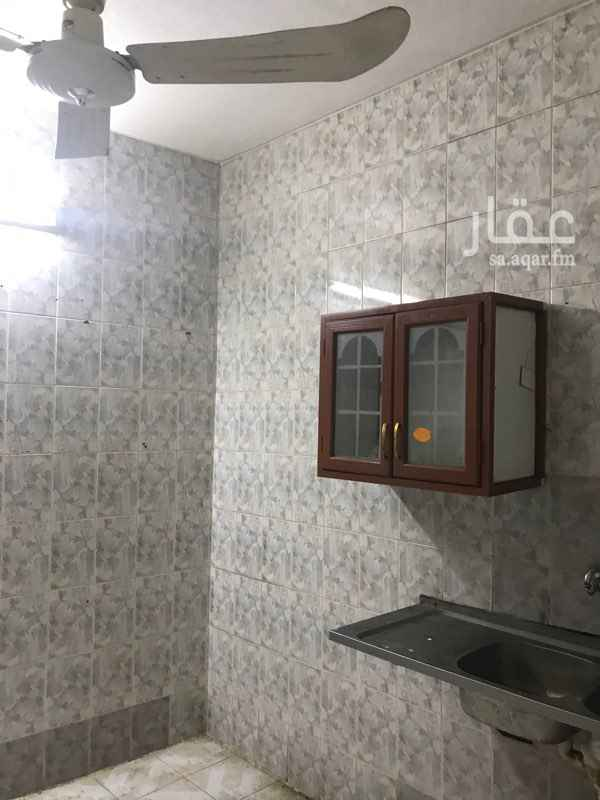 شقة للإيجار في شارع عبدالله بن الزبير ، حي العريجاء الغربية ، الرياض ، الرياض