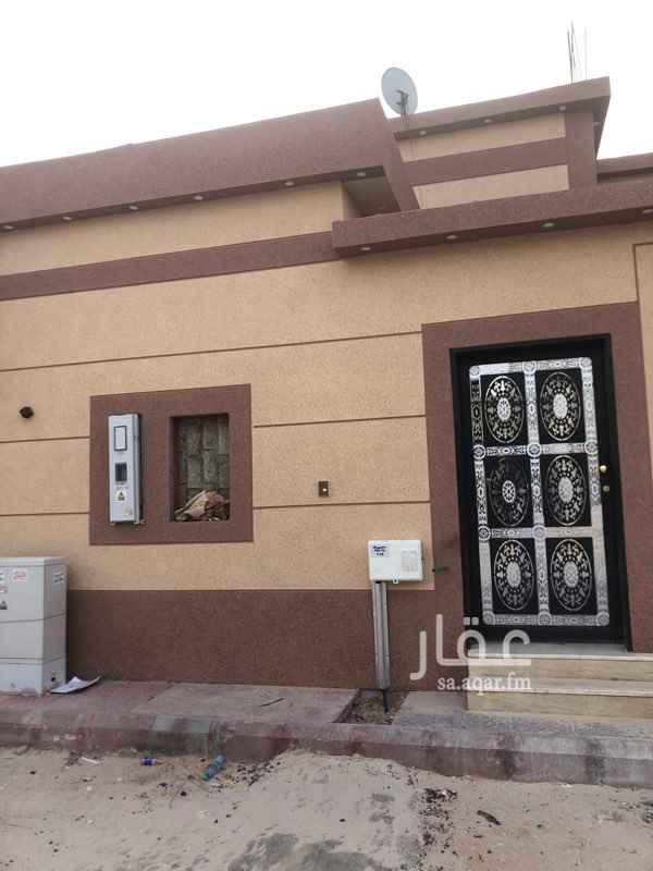 فيلا للبيع في شارع الحاتمي ، حي الندوة ، الرياض ، الرياض