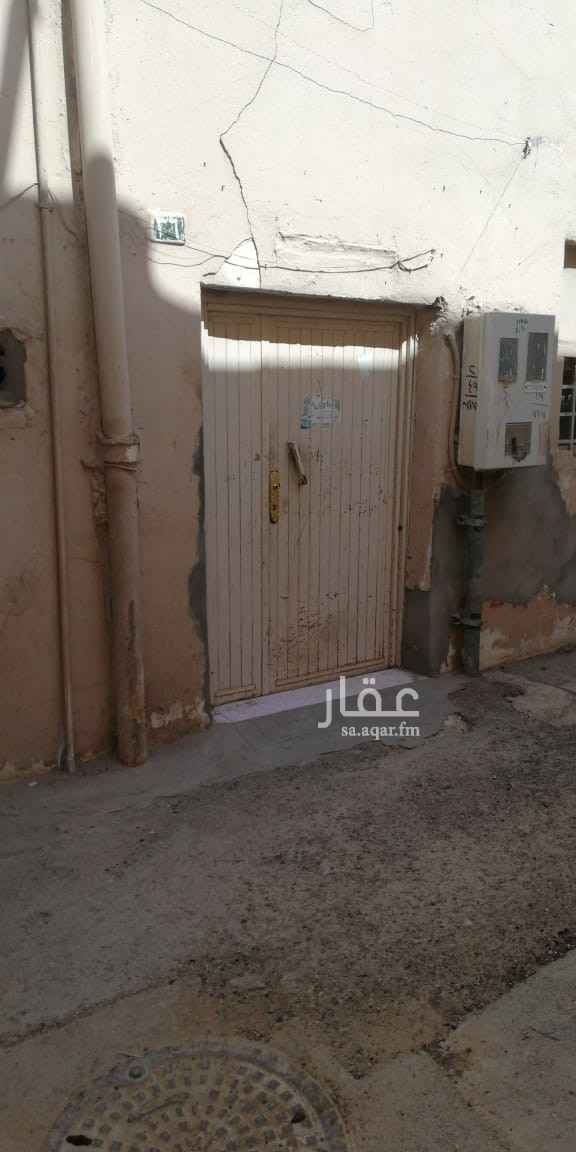 بيت للبيع في شارع راشد الجيبا ، حي الشميسي ، الرياض ، الرياض
