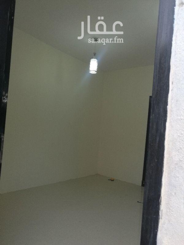 غرفة للإيجار في شارع وادي المياه ، حي بدر ، الرياض