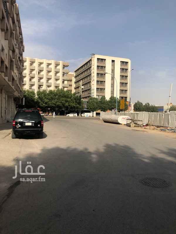 فيلا للبيع في شارع ابي ايوب اليمامي ، حي الملز ، الرياض