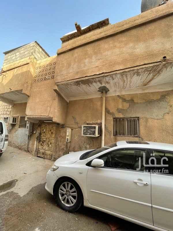 بيت للبيع في شارع عبدالرزاق بن همام ، حي ثليم ، الرياض ، الرياض