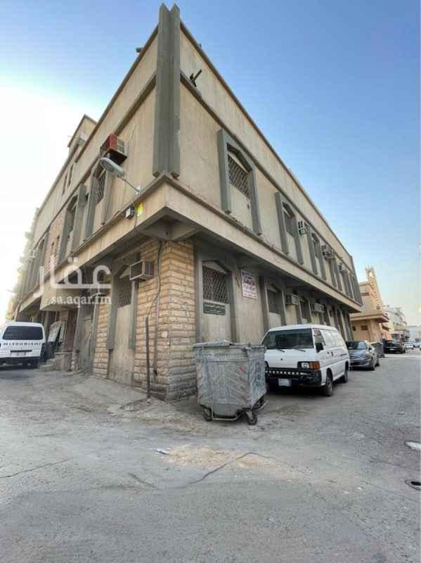 عمارة للبيع في شارع شريح الرعيني ، حي ثليم ، الرياض ، الرياض