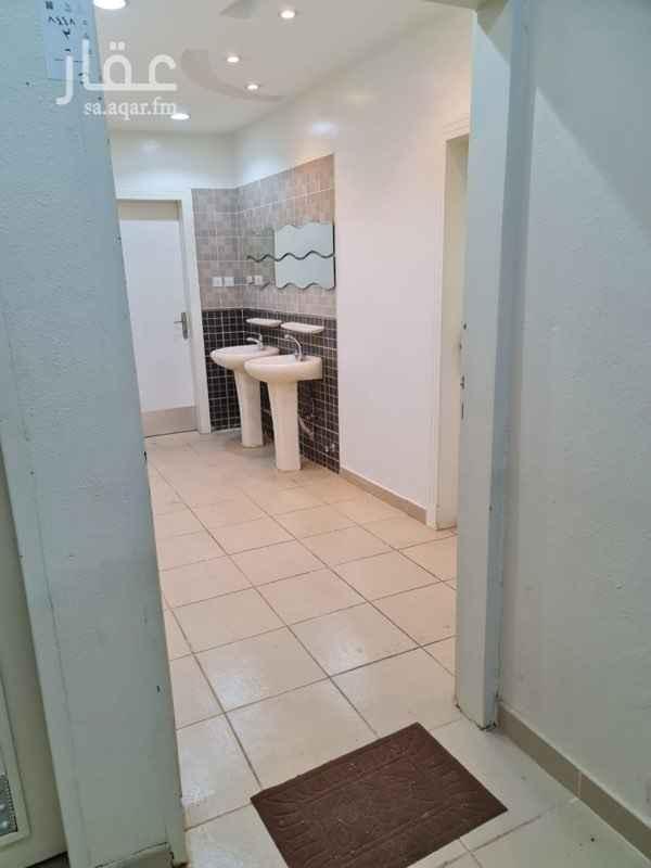شقة للإيجار في شارع ابن ابراهيم التلمساني ، حي عكاظ ، الرياض ، الرياض